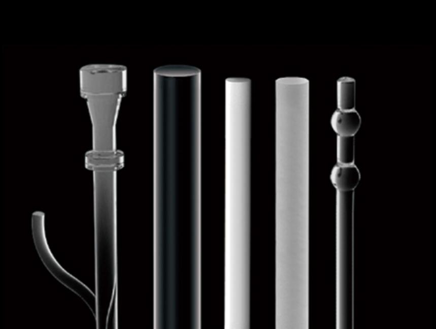 Verschillende kwaliteiten en vormen van staven in kwartsglas